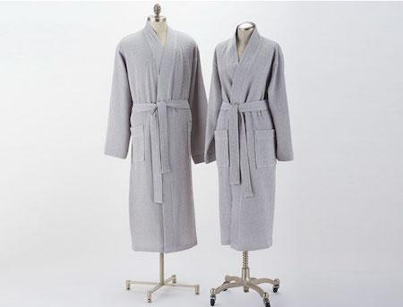 coyuchi-unisex-waffle-robe