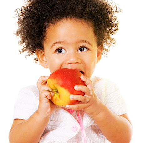 feeding-america-girl-apple