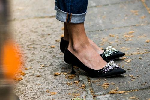 kitten-heel-with-pearls