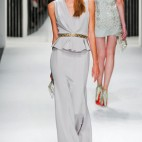 One Look| <b>Jenny Packham</b>